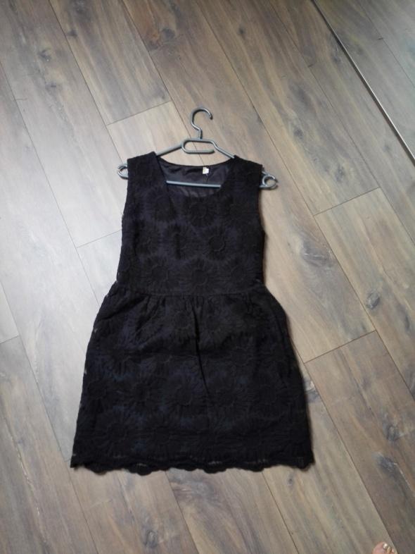 Czarna sukienka w słoneczniki lata 50 te rozm 36 S