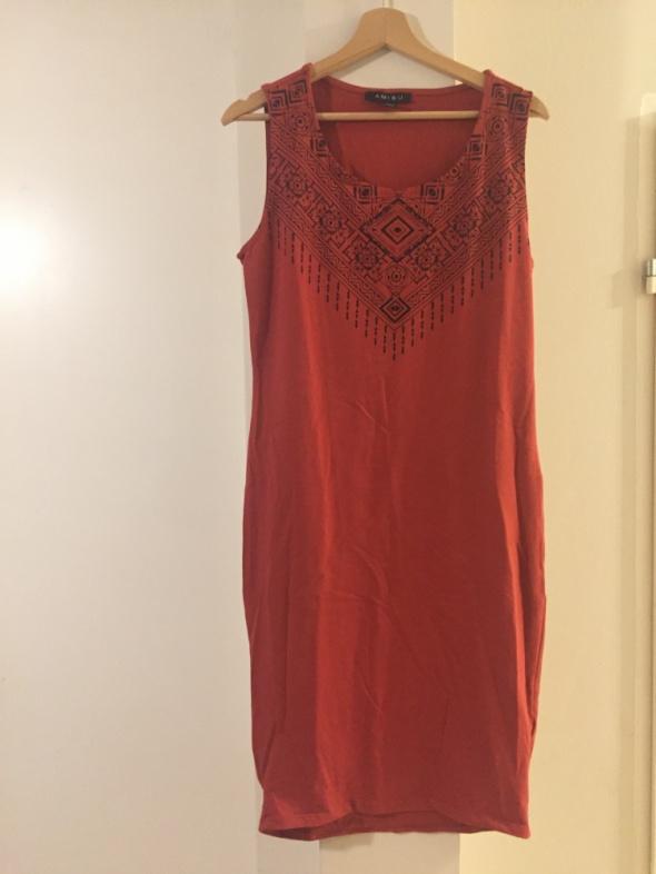 Czerwona sukienka rozmiar 42...