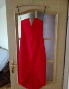 Seksowna czerwona sukienka z rozcięciem i gorsetową górą Rozmiar 34