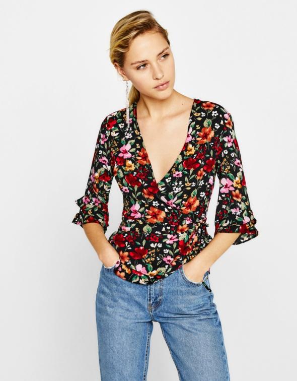 Bershka kopertowa bluzka w kwiaty 34 XS...