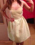 Nowa rozkloszowana sukienka na ramiona perły XS...