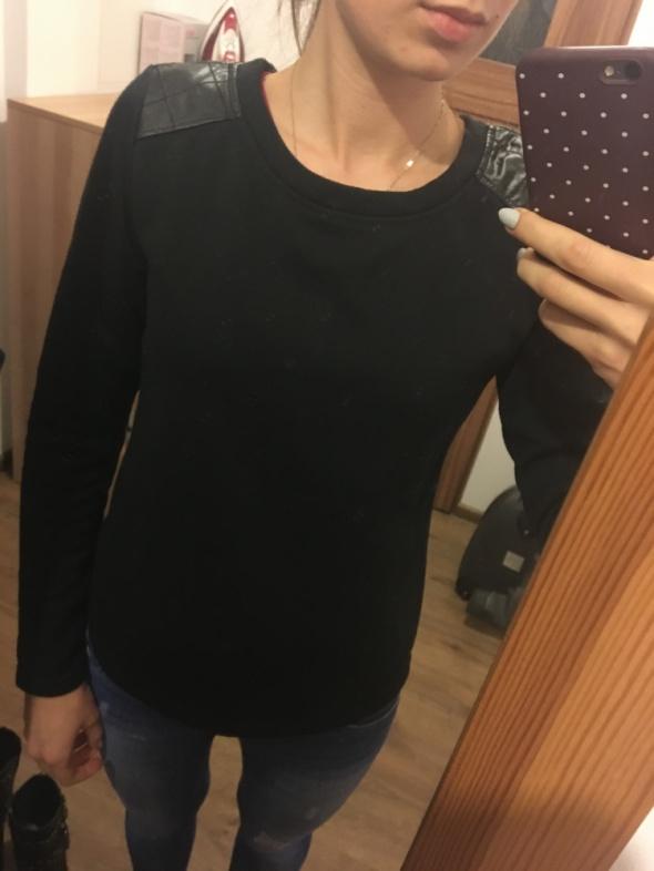 Ocieplana czarna bluza Sinsay rozmiar S