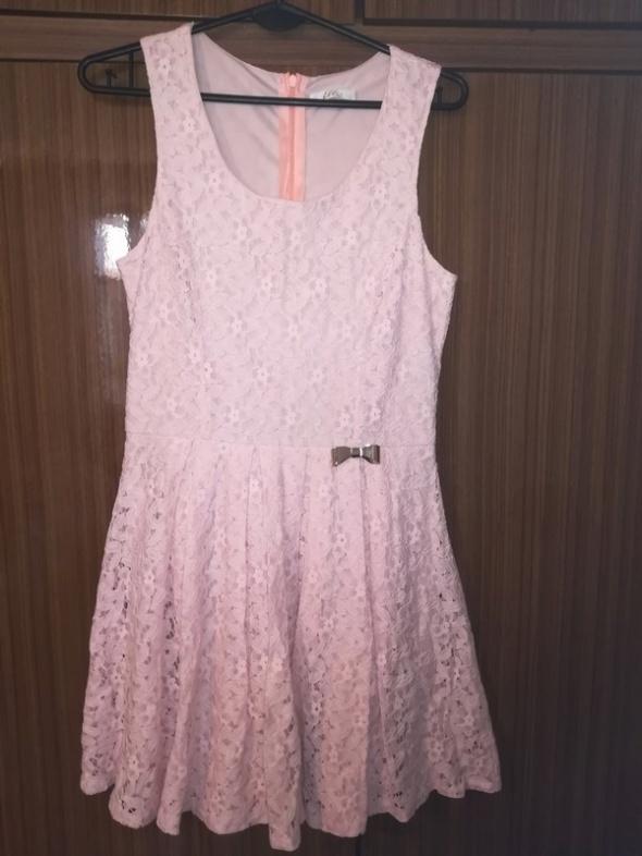 sukienka m lub małe l