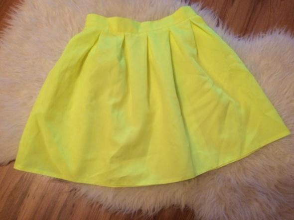 Coctail shock neonowa neon żółta rozkloszowana żarówa fluo spódnica