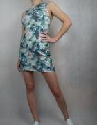 Krótka dopasowana sukienka tuba fajny print palmy Waarehouse...
