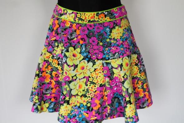 Spódnice Rozkloszowana mini w kwiatki