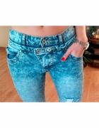 Jeansy dżinsy boyfriend obniżony krok z dziurami guziczki błekitne