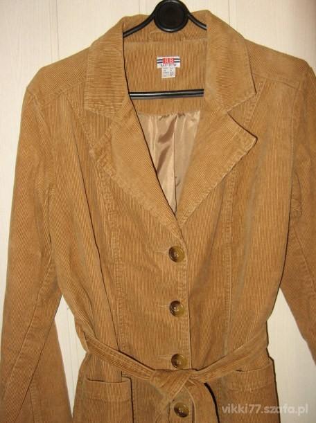 ŚLICZNY nowiutki płaszcz sztruksowy 42