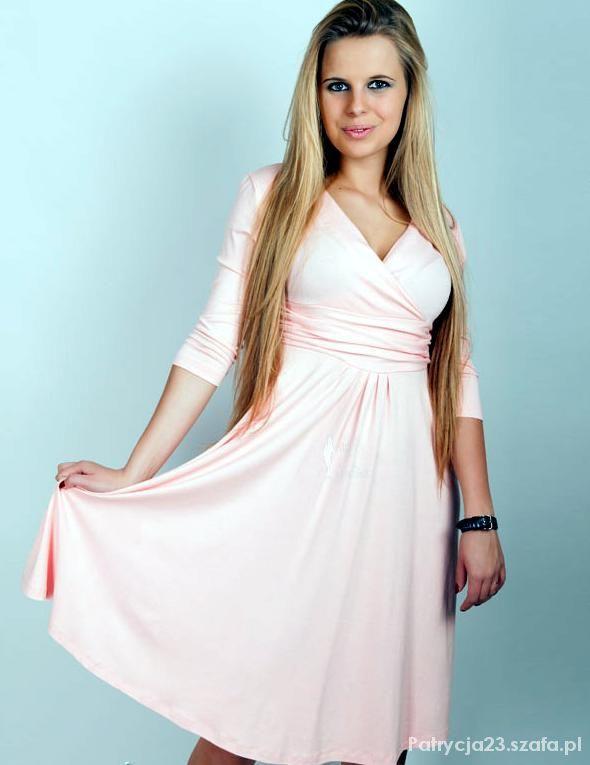 Świetna kopertowa sukienka dekolt