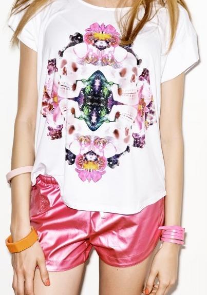 SKULLS AND FLOWERS womens tshirt S