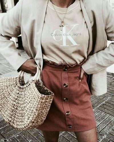 stylizacja Calvin Klein z spodniczka