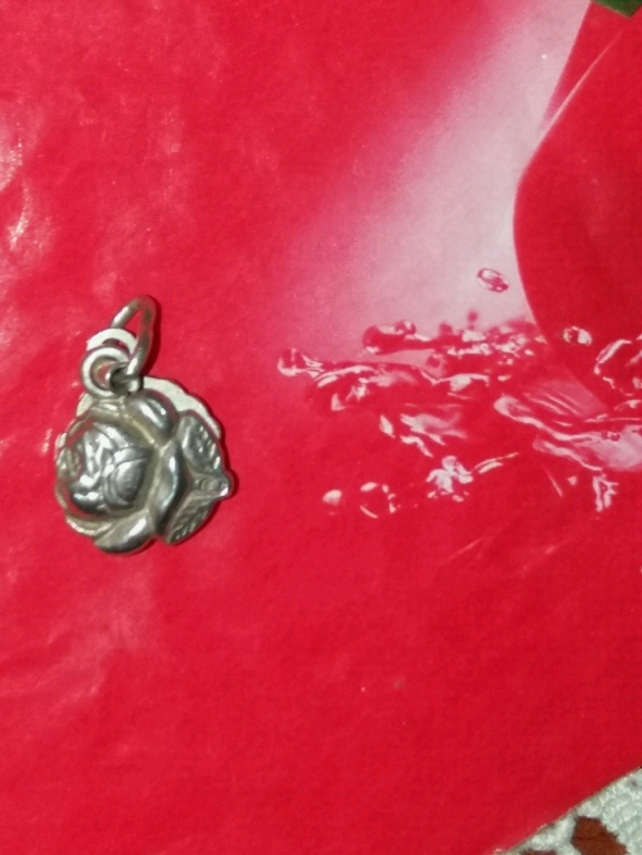 Stara srebrna zawieszka Róża
