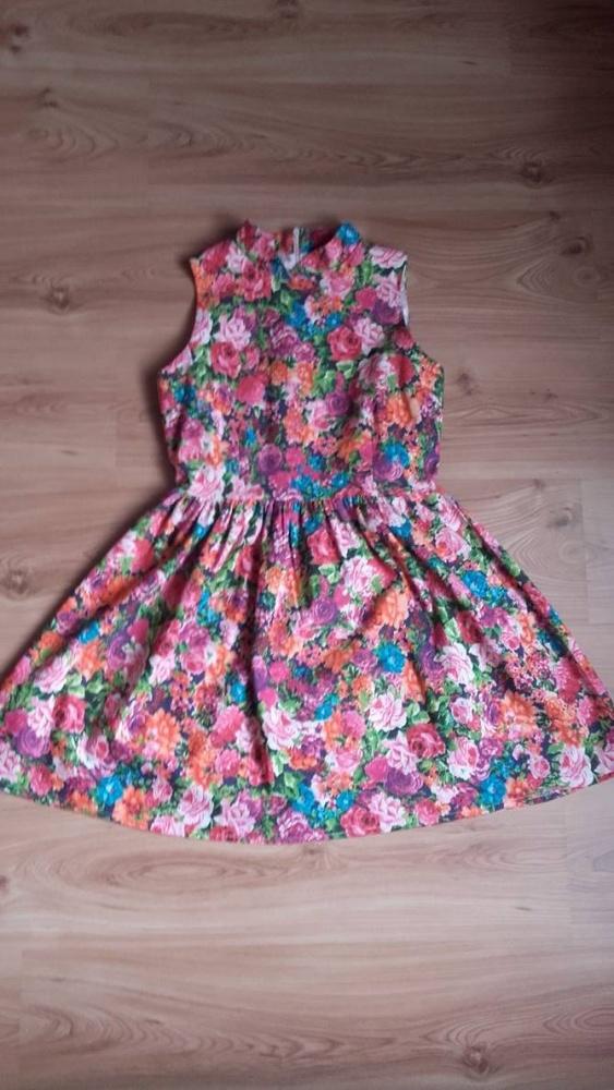 Sukienka rozkloszowana 38 M