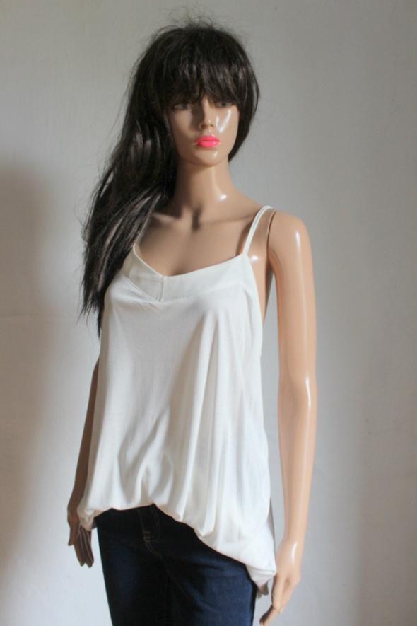 Biała lejąca bluzka na ramiączkach r 3XL...