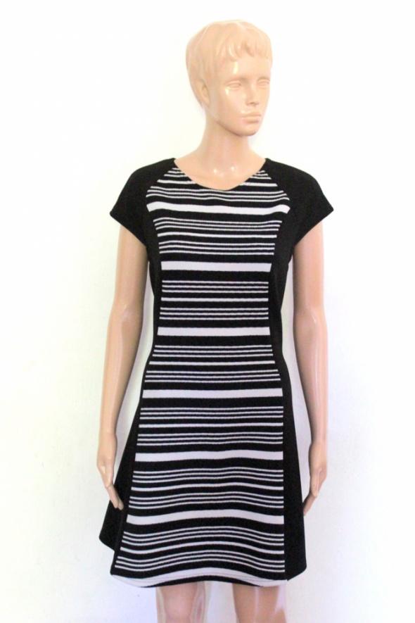 Elegancka czarna sukienka krótki rękawek r L...