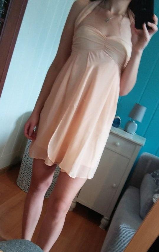 Delikatna sukienka ASOS...