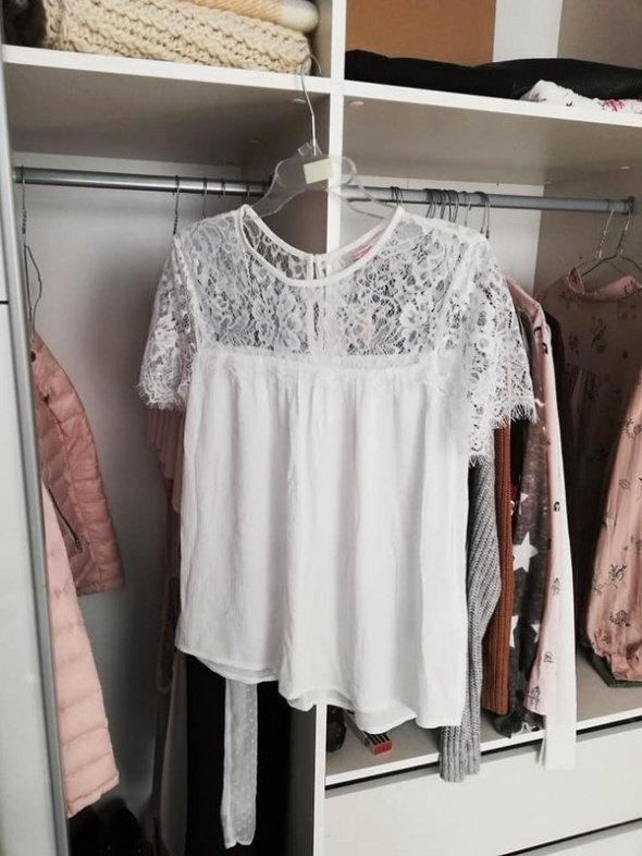 NOWA elegancka biała bluzka z koronką...