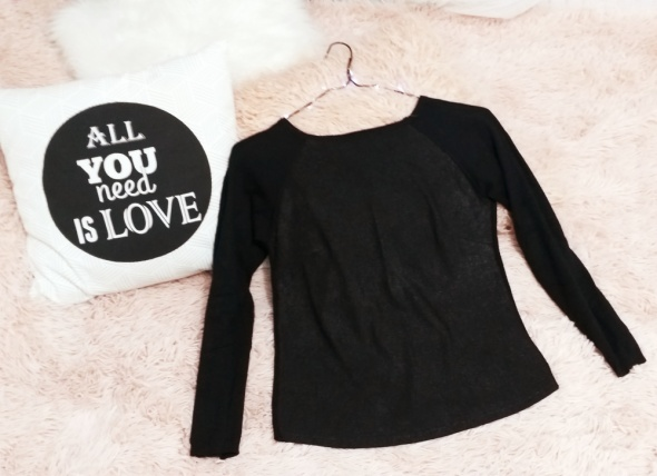 Czarny sweter drobinki Reserved S M...