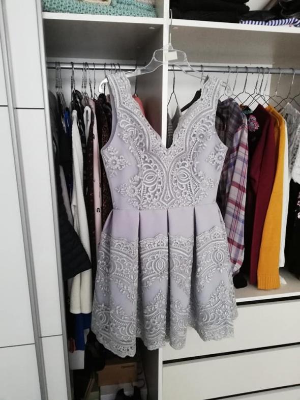 Bicotone koronkowa sukienka balowa