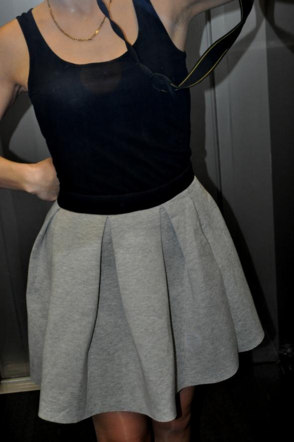 Spódnice Spódnica piankowa 38
