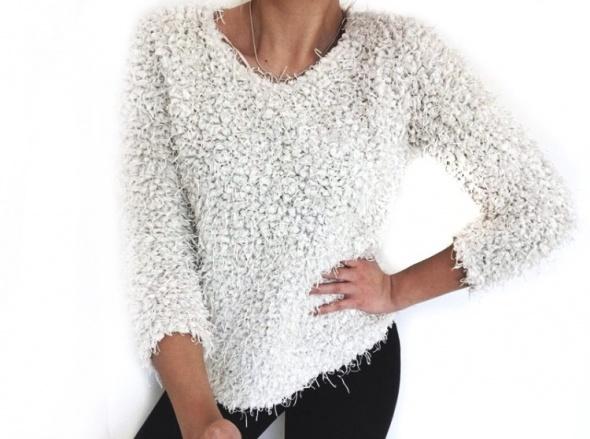 3 RZECZ GRATIS piękny biały zimowy sweter Sinsay 38 M...