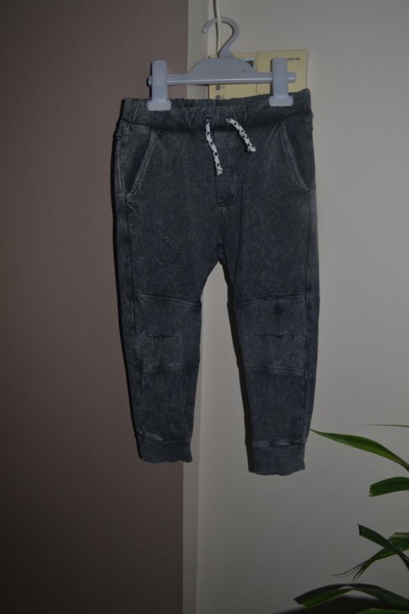 Zara spodnie joggersy szare 5 lat 104cm 110cm...