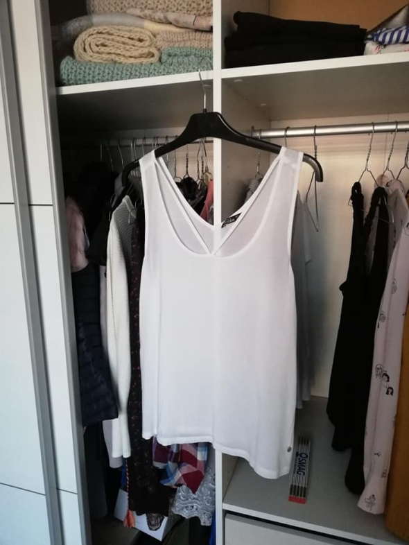 Diverse biała bluzka na ramiączkach z ozdobnymi paskami...