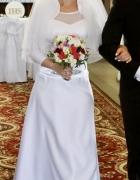 Klasyczna prosta suknia ślubna...