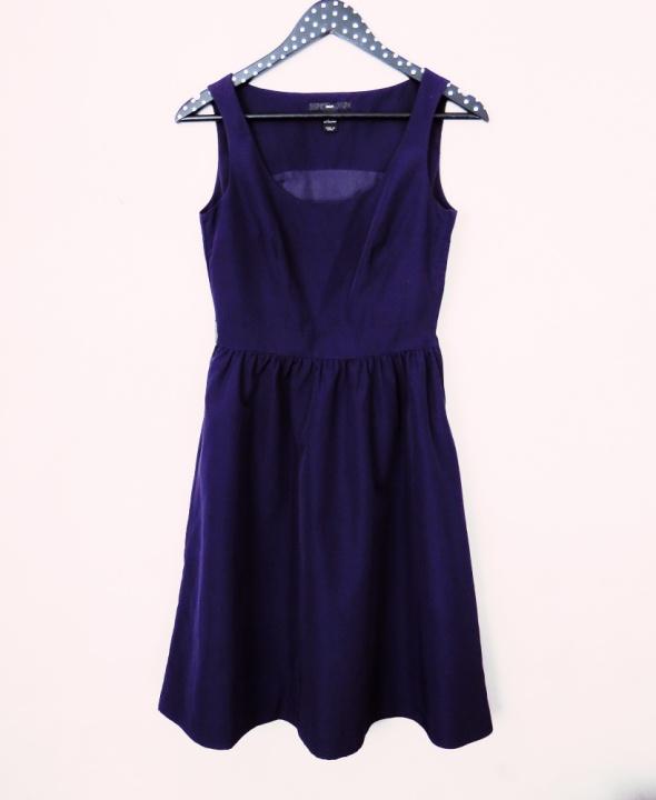 Sukienka dłuższa połyskująca ciemny fiolet opalizujący