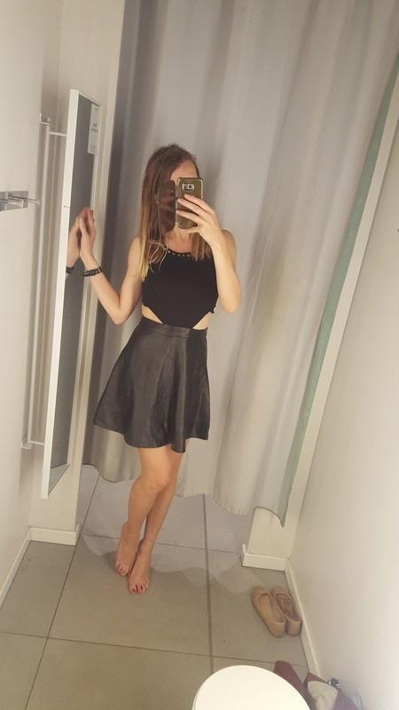 Nowa Czarna sukienka misguided skora wyciecia...