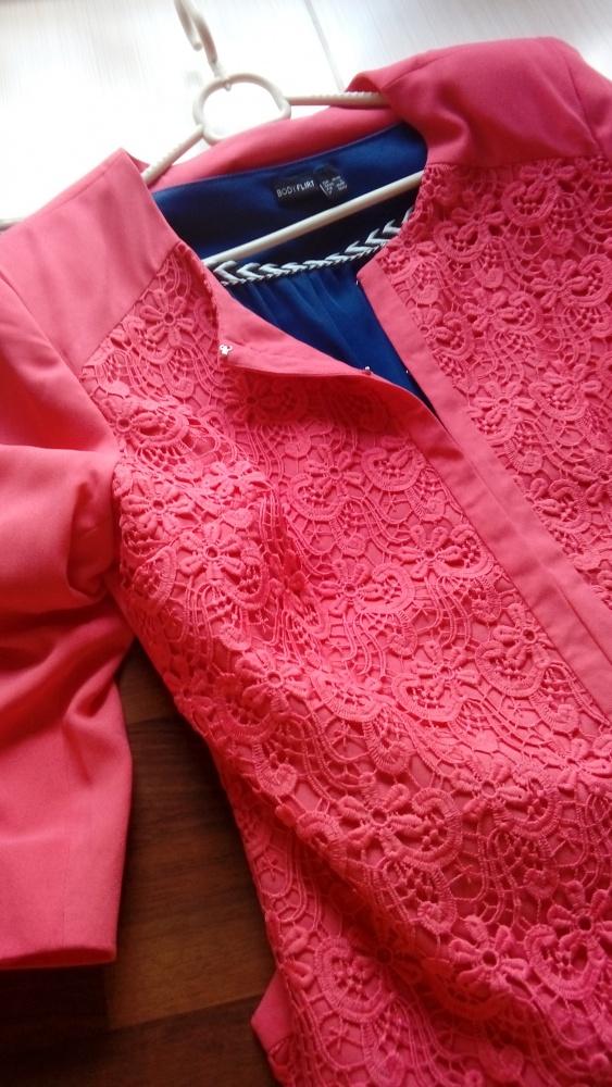 NOWY bardzo modny żakiet marynarka koronka haftki
