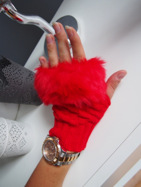 Czerwone rękawiczki mitenki z futerkiem
