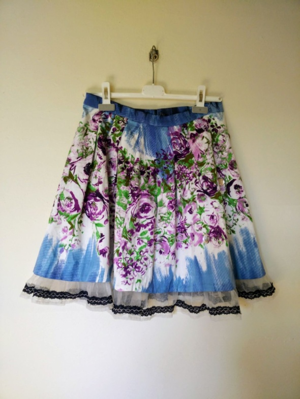 Piękna kwiecista spódnica Rinascimento S w Spódnice Szafa.pl