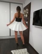 Piękna piankowa czarno biała sukienka by olala...