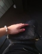 mała czarna torebka h&m...