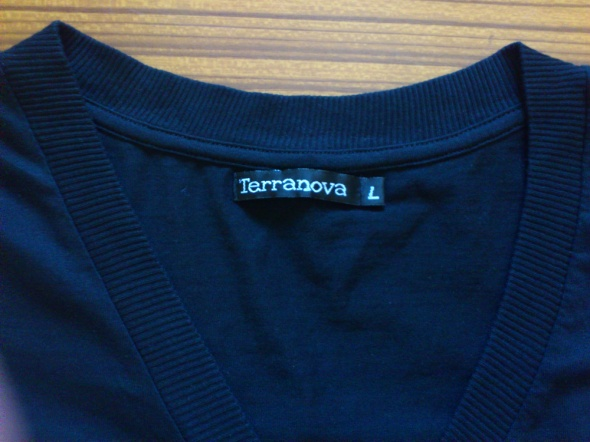 Czarny t shirt Terranova