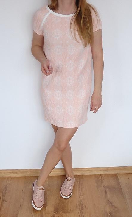 sukienka Reserved 36 fakturowa pudrowa