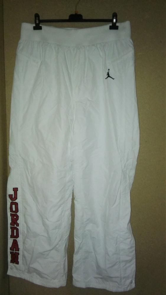 Nike Jordan Białe spodnie sportowe 52 54