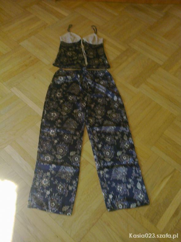 Piżama we wzorki