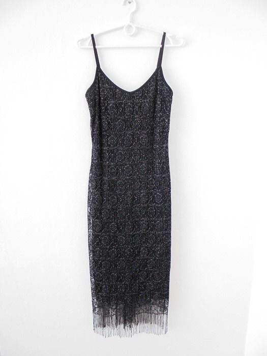 sukienka z frędzlami na dole midi M