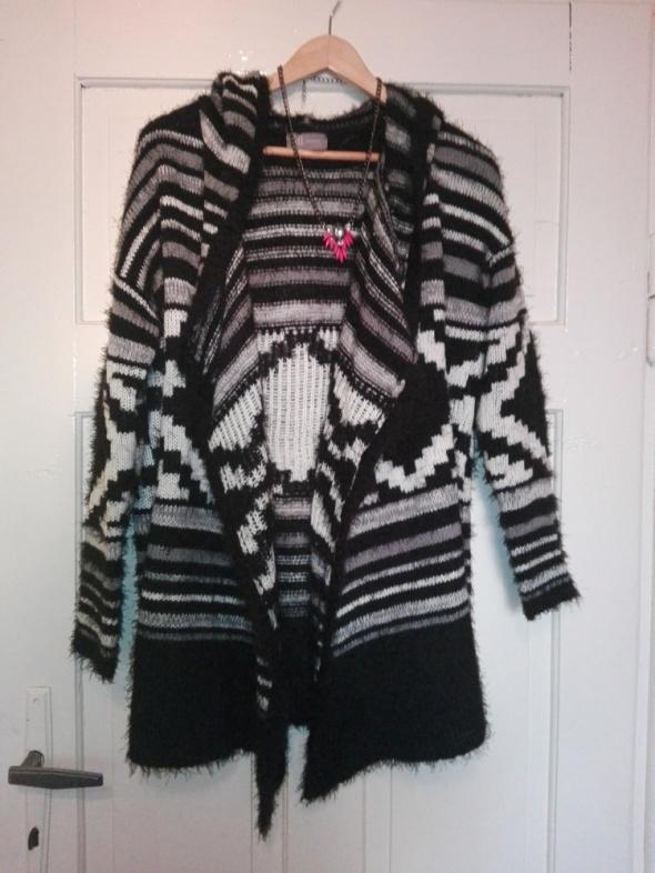 Sweter włochaty Reserved 36 S...
