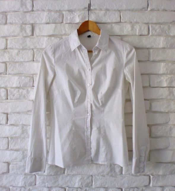 biała klasyczna elegancka koszula taliowana Pimkie...
