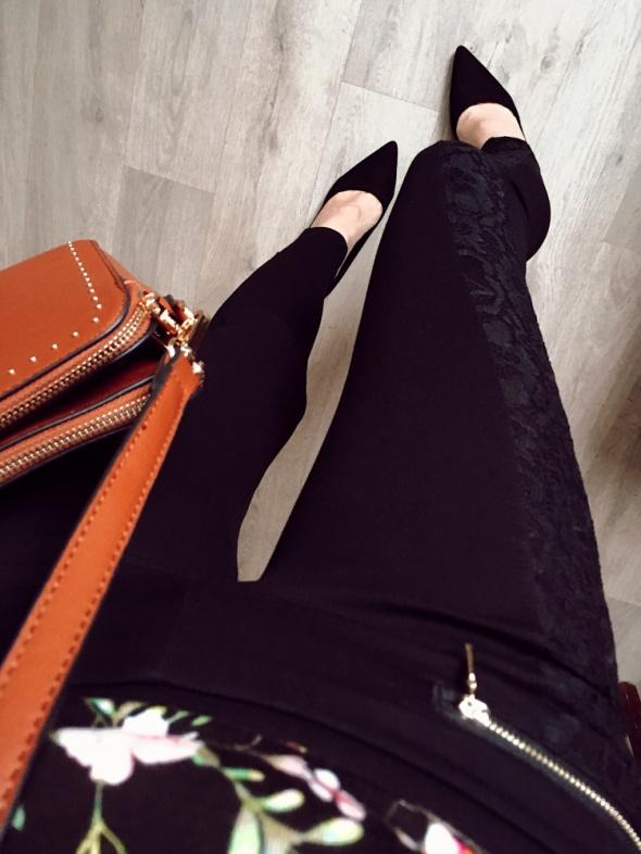Czarne legginsy Damskie koronka zipy S