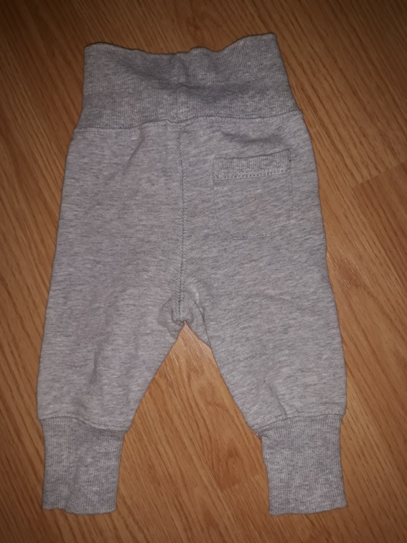 Spodnie HM r 1 2 miesiace...