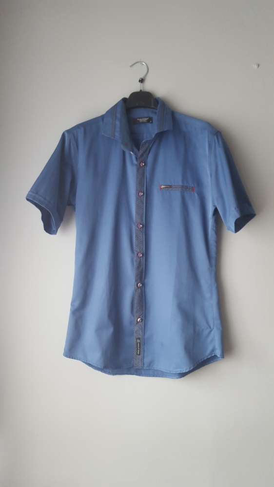 Niebieska koszula nowa