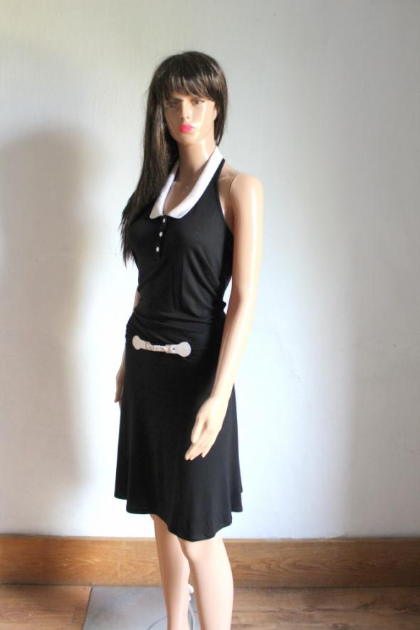 Czarna sukienka z kołnierzykiemhalterneck paseczek r L