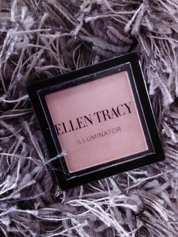Rozświetlacz w kamieniu Ellen Tracy