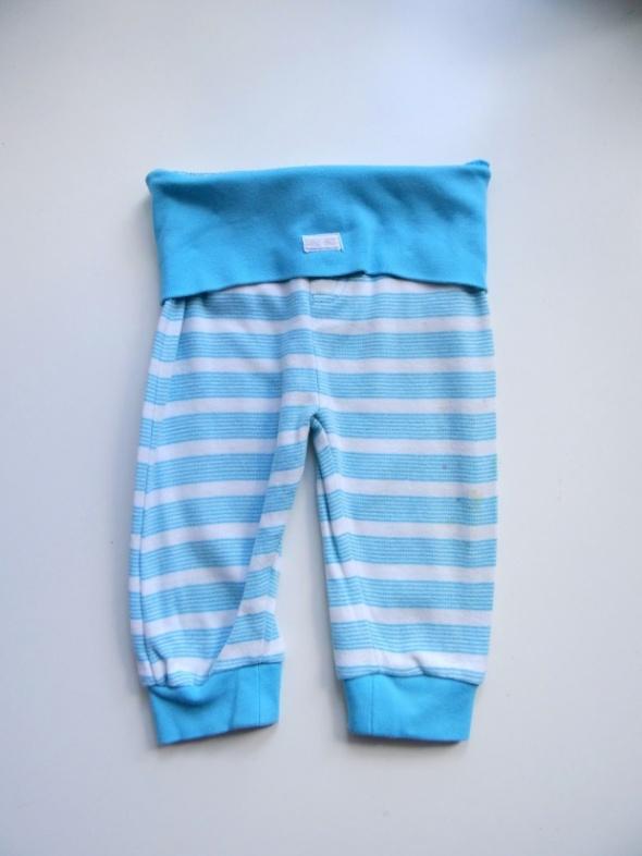 Niebieskie spodnie rozmiar 74