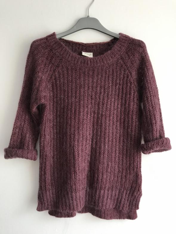 Fioletowy moherowy sweterek rozcięcie S...