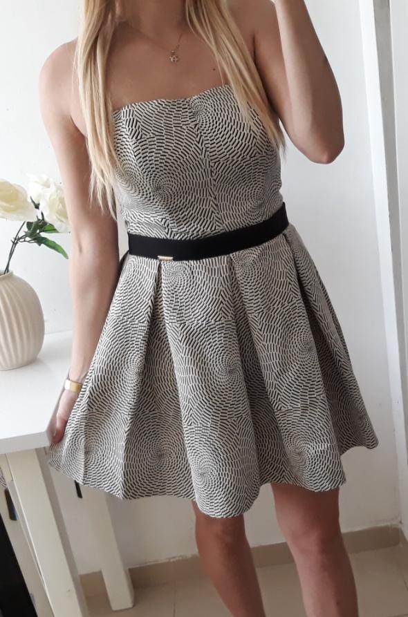 Sukienka balowa rozkloszowana elegancka M